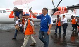 Bapak Dirjen SDPPI tiba di Bandara Langgur