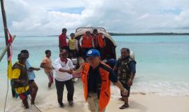 Bapak Dirjen SDPPI dan rombongan tiba di Ohoiew-Kei Islands