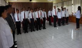 Peserta Diklat PPNS pada saat menyanyikan lagu Indonesia Raya.
