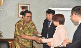 Dirjen SDPPI (Ismail) Menyambut Tamu dari China