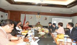 Dirjen SDPPI(Ismail) bersama Direktur Standardisasi (M.Hadiyana) menyampaikan paparan terkait dengan Tupoksi Dit.Standardisasi PPI