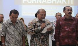 (tengah) Kepala Balai Monitor Spektrum Frekuensi Radio (Balmon) Yogyakarta, Slamet Wibowo, perwakilan para pegawai menyampaikan kesan dan pesan selama mengabdi di Kemkominfo.