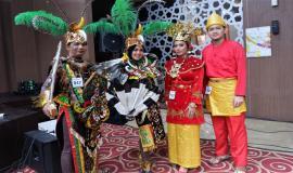 Direktorat Jenderal SDPPI, (Kemkominfo) Ikut serta memeriahkan Hari Kartini,dengan Berbusana adat Palembang