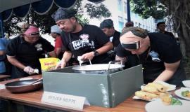 Aksi Tim Memasak Ditjen SDPPI,(Kominfo) saat mengikuti kegiatan lomba Hari Kartini 2018