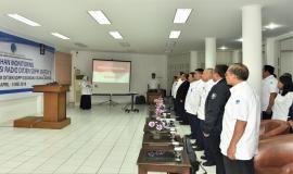 Peserta Diklat Monitoring SFR(Sfektrum Frekuensi Radio) 23-4-2018  menyanyikan lagu Indonesi Raya dipimpin oleh Dirijen