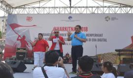 Menkominfo Rudiantara mengajak anak muda untuk bangkit memerangi hoax dan hate speech. Ini disampaikan Rudiantara dalam penutupan acara Harkitnas (13/5).