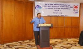 Dirjen SDPPI Ismail memberikan arahan pada acara Pelatihan Manajemen Survival di Jakarta (16/5).