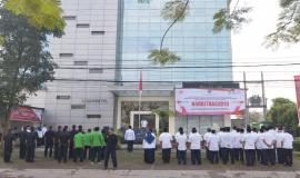 Situasi lapangan parkir Balai Monitor Kelas I Bandung Pada Upacara Peringatan Hari Kebangkitan Nasional yang ke-110, Senin (21/5).