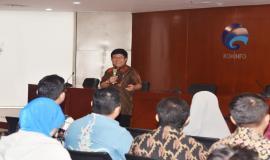 Sesditjen SDPPI Sadjan memberikan arahan sekaligus membuka acara Sosialisasi Survei Kesehatan Budaya Kerja (25/5).