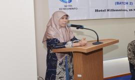 Plt. Direktur Pengendalian SDPPI Nurhaedah memberikan kesan dan pesan selama menjadi peserta pada Pelatihan Manajemen Survival (Batch 2) (26/5).