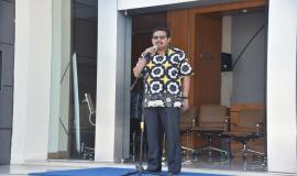 Dirjen SDPPI Ismail menjadi Inspektur upacara pada acara Pelepasan Tim Posko Monitoring SFR Lebaran 2018 (8/6).