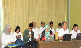 Peserta undangan Media Briefing sedang mendengarkan arahan dari Dirjen SDPPI 13/8 2018