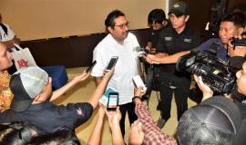 Tim Media  menanyakan kepada Dirjen SDPPI (Ismail) terkait dengan kenapa perangkat telekomunikasi harus berserfikasi
