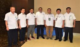 Foto bersama Dirjen SDPPI (Ismail) tengah dan Tim Media Briefing 13 Agustus 2018