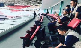 Petugas tim monitoring dan pengamanan gangguan spektrum frekuensi radio untuk memastikan sejumlah perangkat yang digunakan dalam perhelatan olahraga Asian Games 2018 dapat digunakan dengan baik dan tanpa gangguan.
