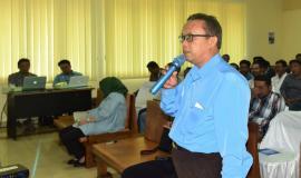 Ketua Hinpunan Nelayan Bandar Lampung (Kasman) sedikit memberi masukan kepada Narasumber terkait dengan penggunaan alat tersebut 6/9 2018