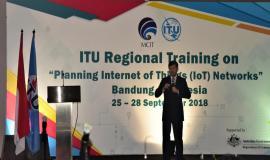 Narasumber ITU Syed Ismail Shah memberikan Paparan kepada Pelatihan ITU Regional Training on Bandung 25-28/9 2018
