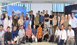 Foto Bersama Johannes Adi Purnama Putra (Management Of Incubation Management) Telkom  (tengah)dengan Peserta Pelatihan ITU Regional Bandung 25/9  2018