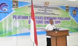 Kepala Pusdiklal Kominfo (Usuluddin) memberikan arahan kepada peserta pelatihan sertifikasi bendahara pengeluaran Direktorat Jenderal SDPPI 8/10 2018