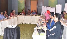 Kabag Umun dan Kepegawaian (Hasym Fiater) membuka Acara Workshop Strategi Komunikasi 12/10  2018