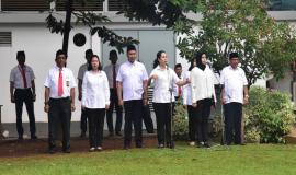 Petugas drijen dan pembaca do'a, memperingati hari sumpah pemuda Kementerian Komunikasi dan Informatika 29/10