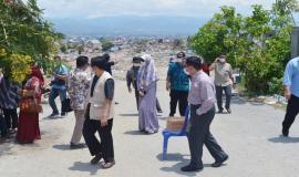 Tinjauan ke salah satu lokasi bencana terparah, Balaroa, Palu (26/10).