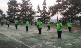 Kegiatan Senam pagi yang merupakan salah satu rangkaian kegiatan pelatihan.