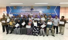 Seluruh peserta berhak mendapatkan sertifikat atas kehadiran pelatihan (27/10).