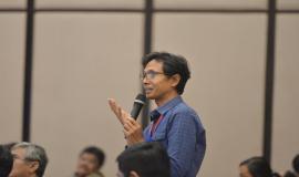 Salah satu peserta yang mengajukan pertanyaan kepada narasumber pada kegiatan Workshop IoT dan Smart City, Bali (15/11).