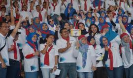 Dirjen SDPPI Ismail bersama pejabat dan pegawai di Lingkungan Ditjen SDPPI pada kegiatan KominfoNext (31/1).