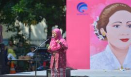 Perwakilan dari Ditjen SDPPI dalam lomba Pidato Pesan Kartini pada kegiatan Peringatan Hari Kartini di lingkungan Kemkominfo, Jakarta (23/4).