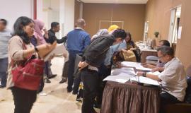 Peserta Undangan  Workshop Kapitalisasi Aset sedang mengisi daftar hadir/regestrasi 3/5 2019