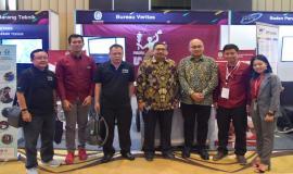 Selesai menutup acara secara resmi, Dirjen SDPPI Ismail melakukan booth visit yang ikut serta pada kegiatan Indonesia Telecommunication Type Approval (ITTA) Expo 2019 di Semarang (30/4).