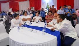 Turut hadir Sesditjen SDPPI R. Susanto, Direktur Penataan Sumber Daya Denny Setiawan dan Para Kabag di lingkungan setditjen SDPPI pada acara Buka Puasa bersama Keluarga Besar dan Mitra Kerja Kemkominfo di Jakarta (8/4).