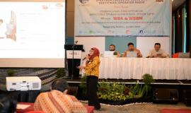Kepala Subdirektorat Konsultansi dan Data Operasi Sumber Daya Fidyah Ernawati sebagai salah satu narasumber memberikan paparan dalam kegiatan Temu Mitra Pelayanan Perizinan SFR dan SOR di Banten (21/5).