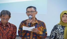 Salah satu perwakilan Purnabakti memberikan kesan dan pesannya mewakili para purnabakti lainnya pada acara Pelepasan Purnabakti Kominfo di Jakarta (24/5).