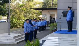 Laporan kepada Dirjen SDPPI Ismail mengenai persiapan dan rencana rute drive test Posko Monitoring SFR Lebaran 2019 di halaman kantor Balai Monitor Spektrum Frekuensi Radio Kelas I Bandung, Jawa Barat, Sabtu (1/6).