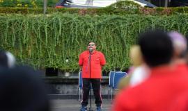 Sambutan oleh Dirjen SDPPI Ismail pada acara Halalbihalal Ditjen SDPPI di Lapangan Parkir Gedung Sapta Pesona, Jakarta (11/6).