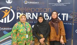 Tiga (III) purnakbakti dari DITJEN SDPPI , Dra. Rachmawati (Direktorat Standardisasi Perangkat Pos dan Informatika), Dra. Murniyanti AR (Balmon Spektrum Frekuensi Radio Kelas I Tangerang), dan Ir. Yuniani, MM (Balmon Spektrum Frekuensi Radio Kelas I Tangerang). (28/6)