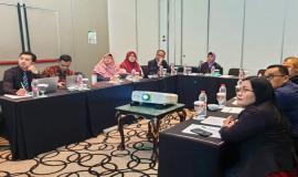 Pengarahan yang dilakukan oleh delegasi Indonesia sebelum kegiatan 7th Meeting of Special Task Force on Broadcasting and Mobile Services at Common Border Areas between The Republic of Indonesia and Malaysia (STF-7) berlangsung di Bandung (16/7).