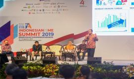 Dirjen SDPPI Ismail saat menjadi pembicara pada kegiatan Indonesianisme Summit 2019 di Jakarta (13/8).