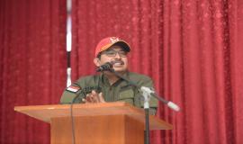 Dirjen SDPPI Ismail memberikan arahan kepada para CPNS Ditjen SDPPI pada kegiatan Capacity Building di Cimahi (17/8).