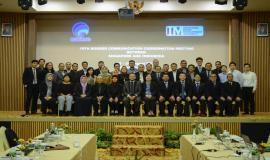 Foto bersama oleh kedua delegasi pada kegiatan Bilateral Meeting- Border Communication on Coordination Meeting ke 19 (BCCM-19) antara Indonesia dan Singapura di Batam (28/8).