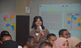 Salah satu peserta On the Job Training (OJT) Ditjen SDPPI menyampaikan kesan dan pesan selama pelatihan (30/8).