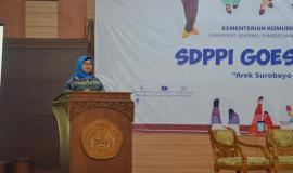 Sambutan dari Dekan Fakultas Teknik UNESA Dr. Maspiyah pada kegiatan SDPPI Goes to Campus di Surabaya (5/9).