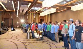 Petugas Drijen bersama Peserta undangan Ifas Fest berdiri menyanyikan Lagu Indonesia Raya 3/10