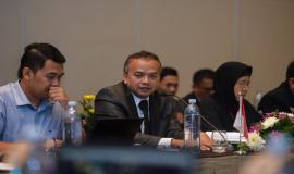 Direktur Penataan Sumber Daya Denny Setiawan menyambut para delegasi dari Malaysia dan Singapura serta membuka kegiatan 17th Trilateral Meeting Coordinaton Between Indonesia, Singapore and Malaysia secara resmi di Bali, rabu (9/10).