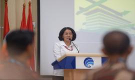 Sekjen Kominfo Rosarita Niken Widiastuti memberikan sambutan pada acara Pelepasan Purnabakti Kominfo di Jakarta (30/9).