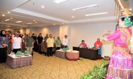 Petugas Drijen bersama Peserta undangan Pelaksanaan Launching Computer Assisted Test (CAT) Ujian Negara Amatir Radio (UNAR) 15/10/2019