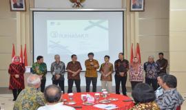 Salah satu perwakilan Purnabakti memberikan kesan dan pesannya mewakili para purnabakti lainnya pada acara Pelepasan Purnabakti Kominfo di Jakarta (29/11).